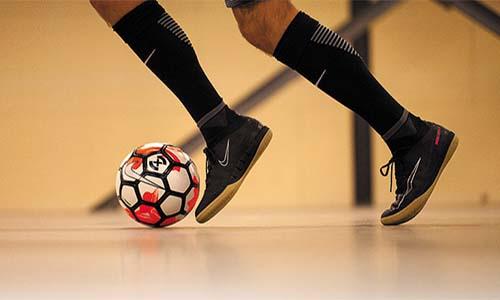 Навчання і розвиток навичок дриблінгу з футзальним м'ячем